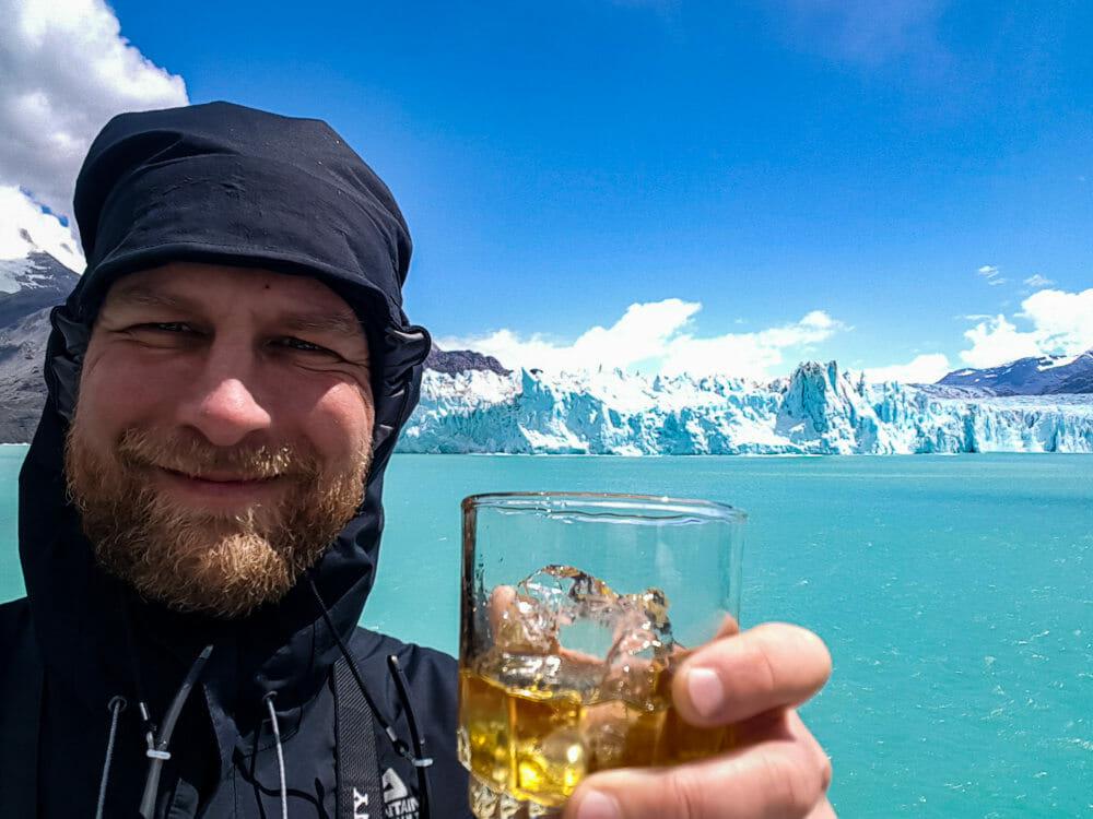 Martin Moschek mit Getränk