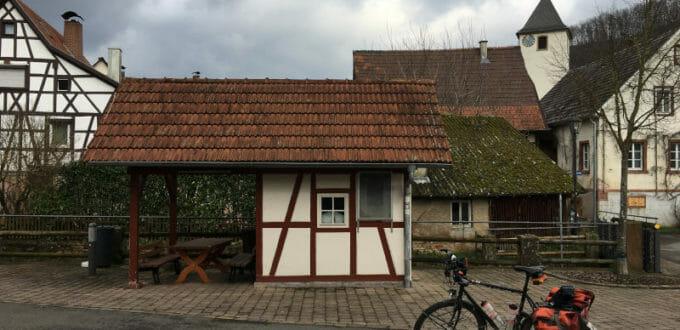 Guttenbach - Odenwald-Madonnen-Radweg - Neckarradweg