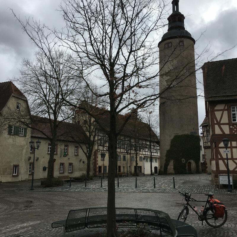 kurmainzische Schloss in Tauberbischofsheim - Odenwald-Madonnen-Radweg
