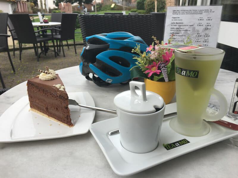 Café am GeoPark - Neckarsteinach am Neckarradweg - Kuchen und Tee