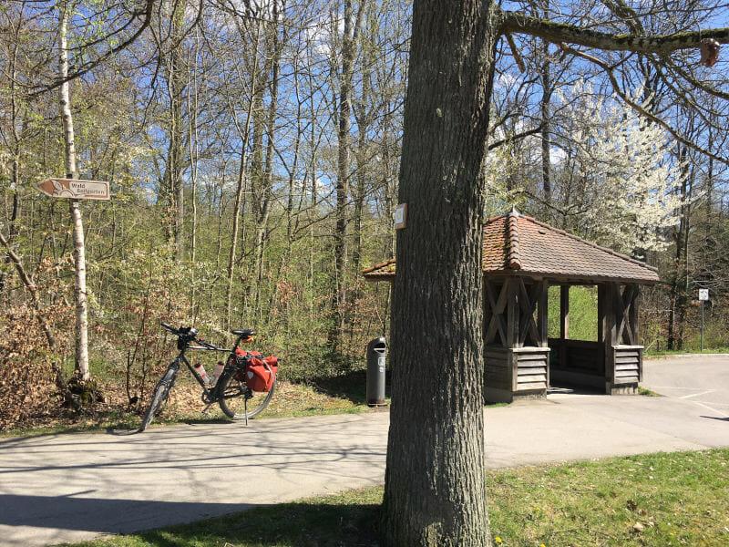 Bushaltestelle Pause - Waldfriedhof Herrenberg im Schönbuch