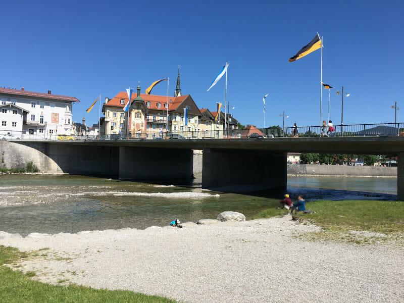Bad Tölz an der Isar und am Bodensee-Königssee-Radweg