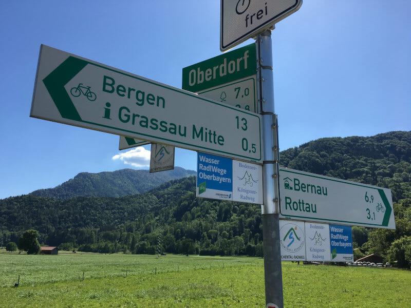 Fahrrad-Beschilderung Bodensee-Königssee-Radweg - Bei Grassau in Richtung Bergen