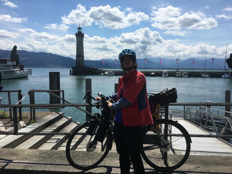 Radtouren-Checker in Lindau am Bodensee - mit Gravelbike auf der Insel - bayrischer Löwe - Leuchtturm - Hafeneingang Lindau