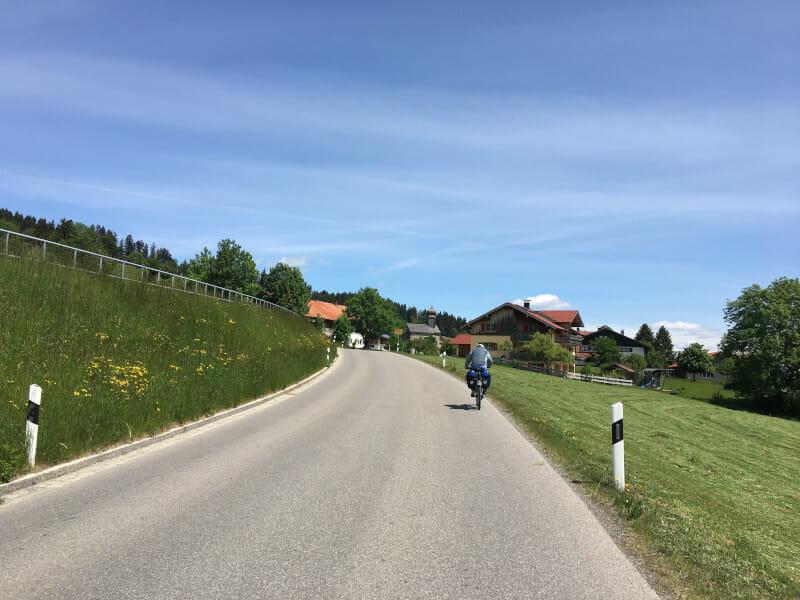 Bei Rettenberg geht es so steil bergauf - Allgäu - Radfahren