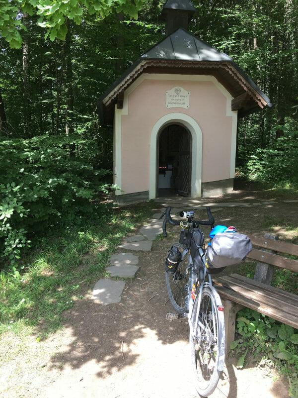 Hinter Teisendorf - Kleine Kirche - Bodensee-Königssee-Radweg