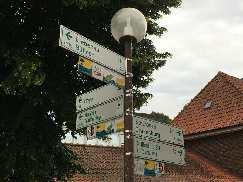 Wegweiser Nienburg - Weserradweg