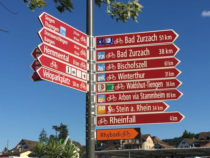 Schaffhausen - Wegweiser-Knotenpunkt - Fahrradwegweiser - Rheinradweg