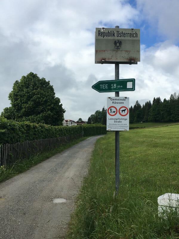 Grenze ziwschen Reit am Winkl und Kössen - Mozartradweg in Österreich