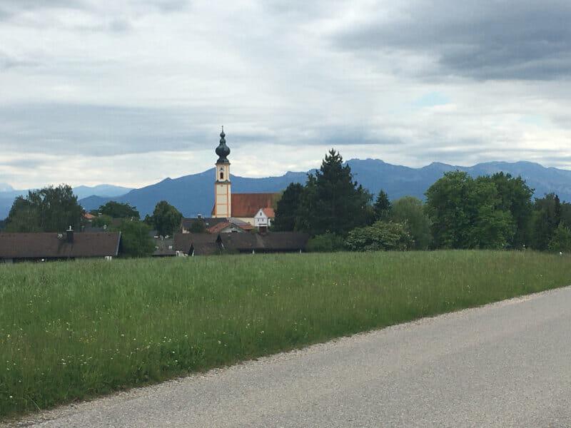 Höslwang Panorama Kirche - Mozartradweg