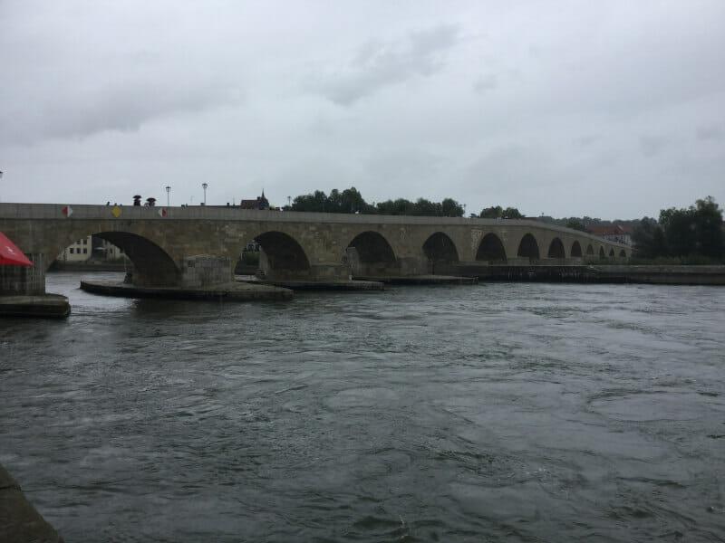 Regensburg - Steinerne Brücke - Donauradweg