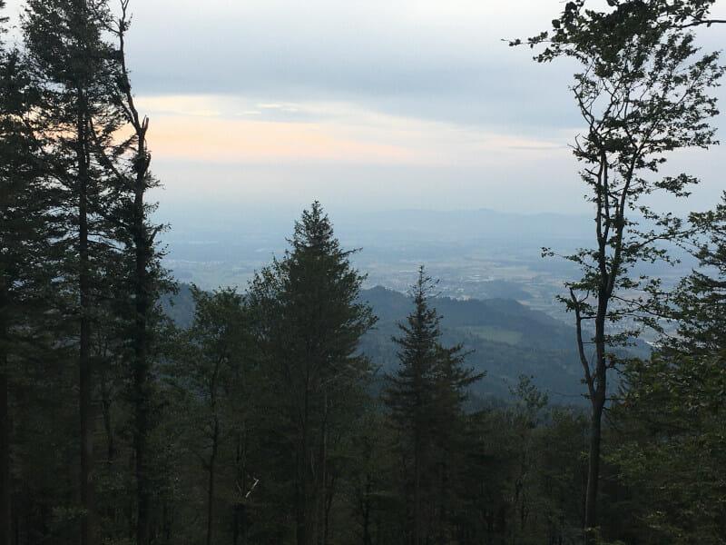 Ein Kilometer vor dem Schluss hat man diese krasse Aussicht auf dem Kandel!