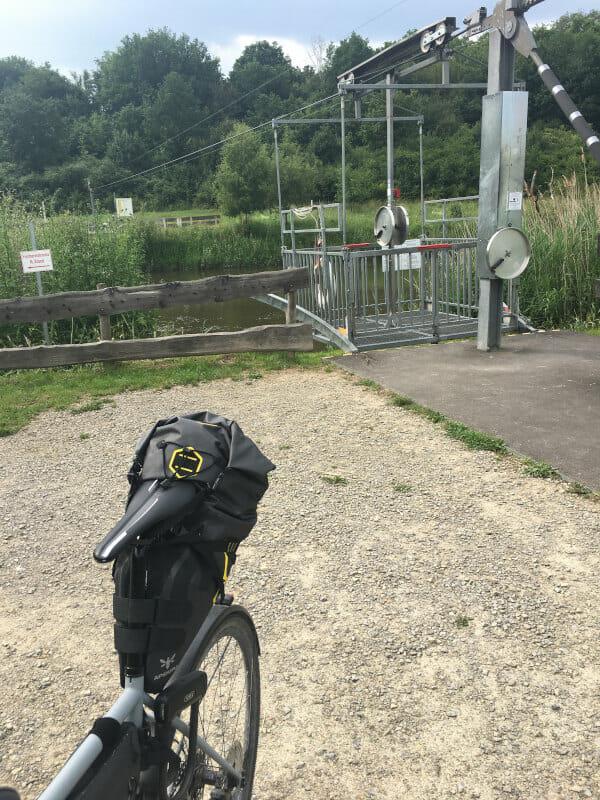 Fahrradseilbahn - Fuldaseilbahn in Beisewörth - mit Gravelrad über die Fulda am Fuldaradweg