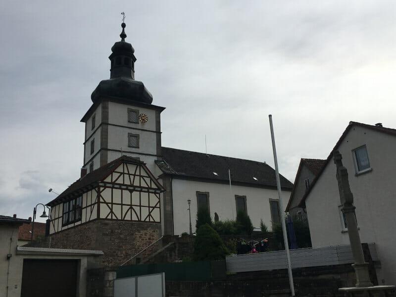 Kirche in Ebersburg-Schmalnau - Fulda-Radweg