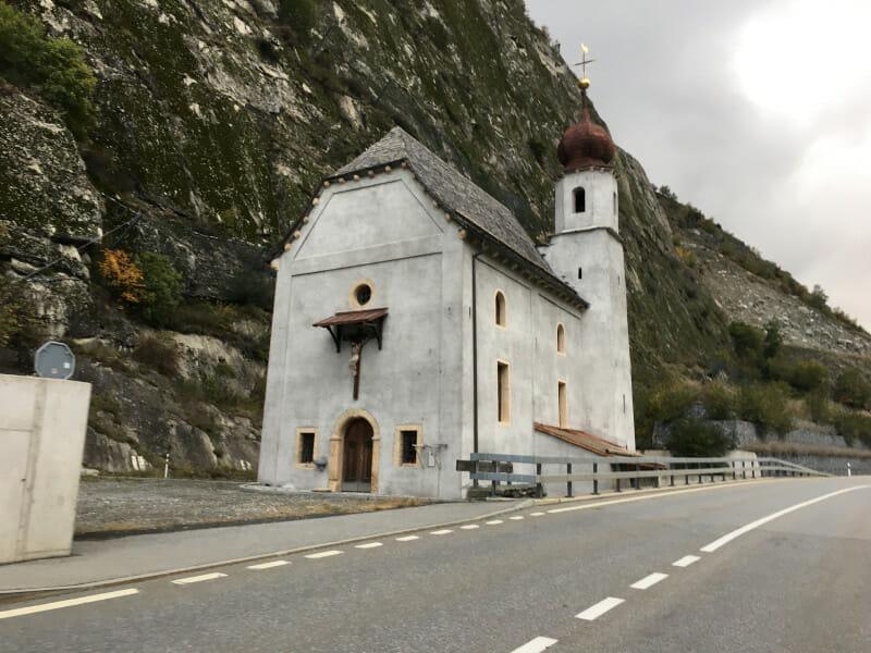 Die Kapelle zen Hohen Fluehen in Bitsch - Rhone-Route