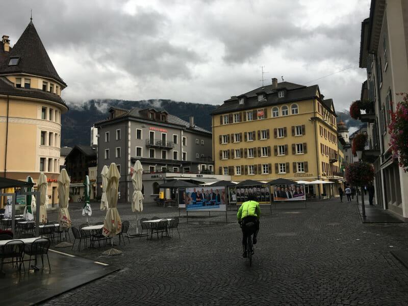 Marktplatz von Brig, das Ziel auf der Etappe auf der Rhone-Route, 2. Etappe.