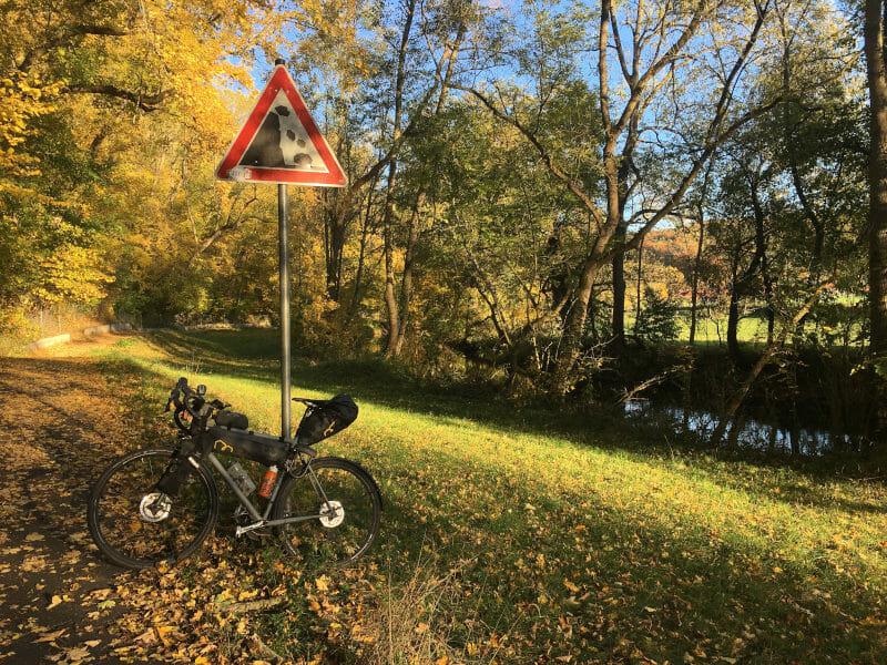 Ilmtalradweg bei Buchfart - Herbststimmung - Gravelbike.