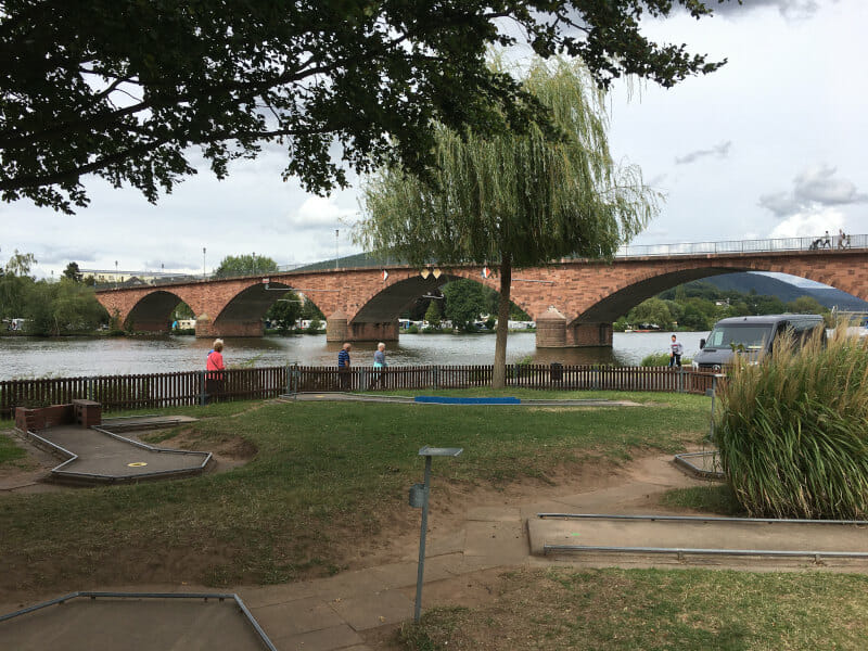 Miltenberg - Brücke am Mainradweg