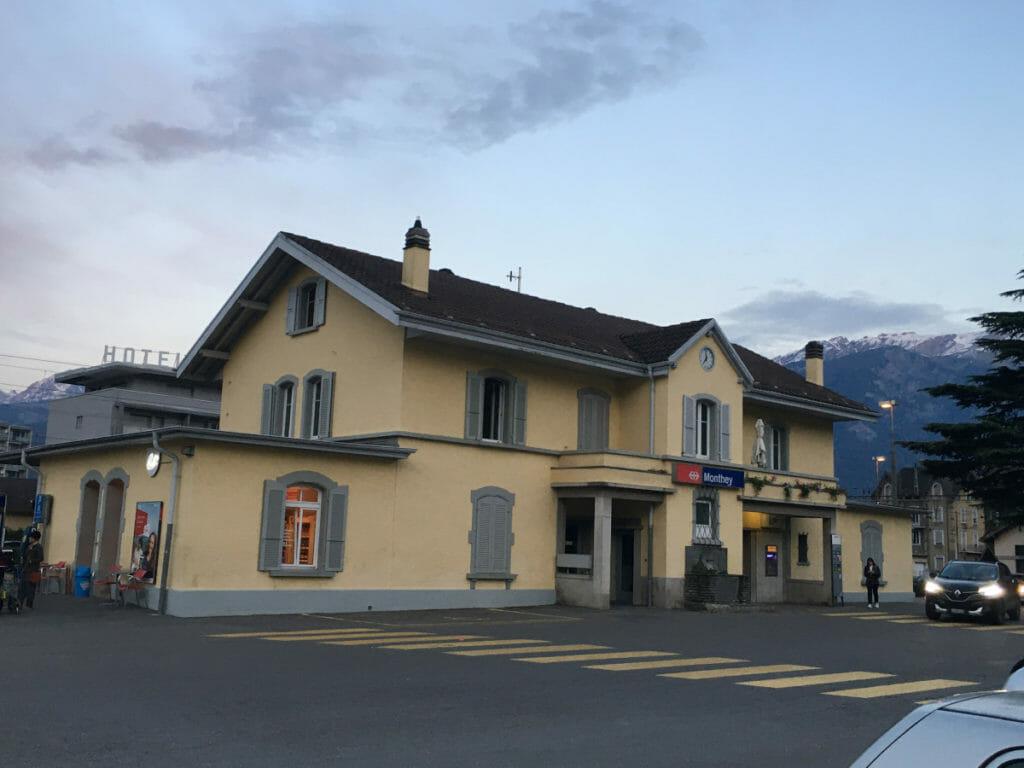 Bahnhof von Monthey in der Nähe der Rhone-Route.