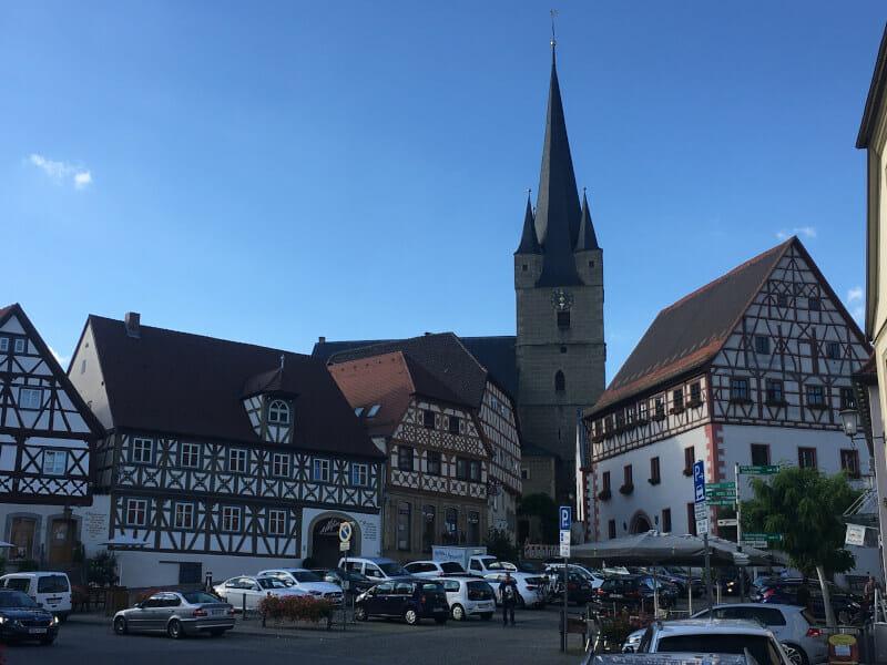 Zell am Main - Kirche - Mainradweg