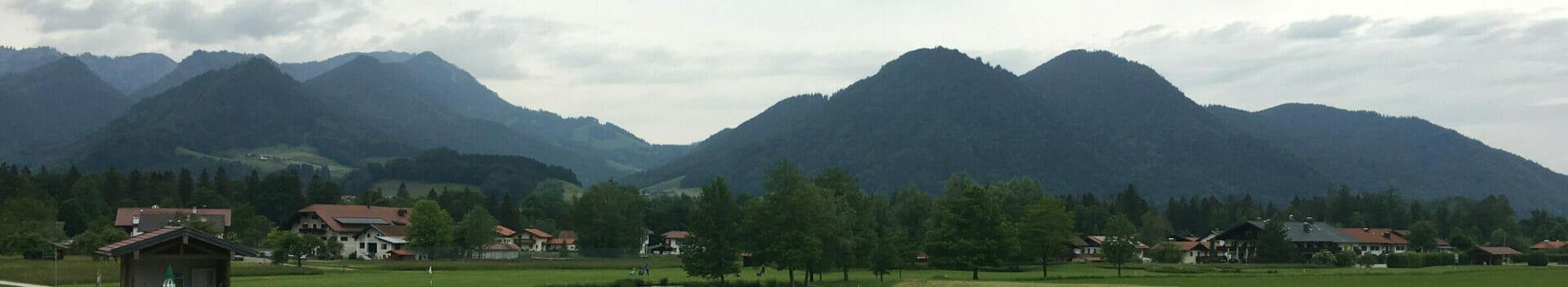 Ruhpolding am Mozartradweg - wunderschöne Aussicht auf die Berge (vom Golfplatz aus).