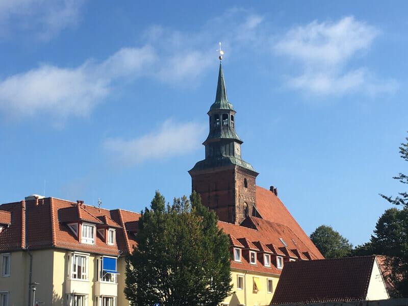 Kirche in Verden an der Aller - schönes Wetter am Allerradweg & Weserradweg.