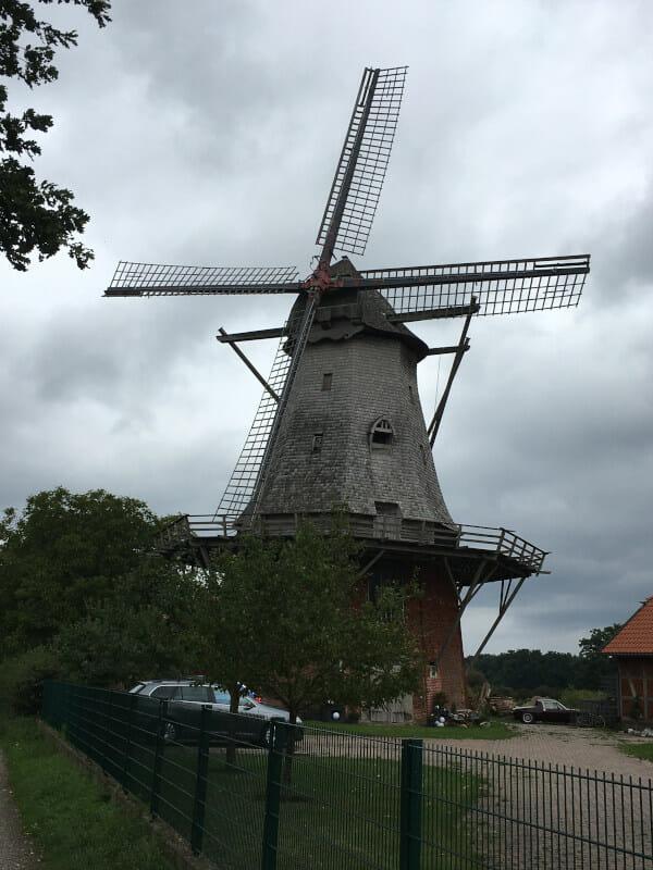 Windmühle bei Bothmer, was zu Schwarmstedt gehört. An der Aller.