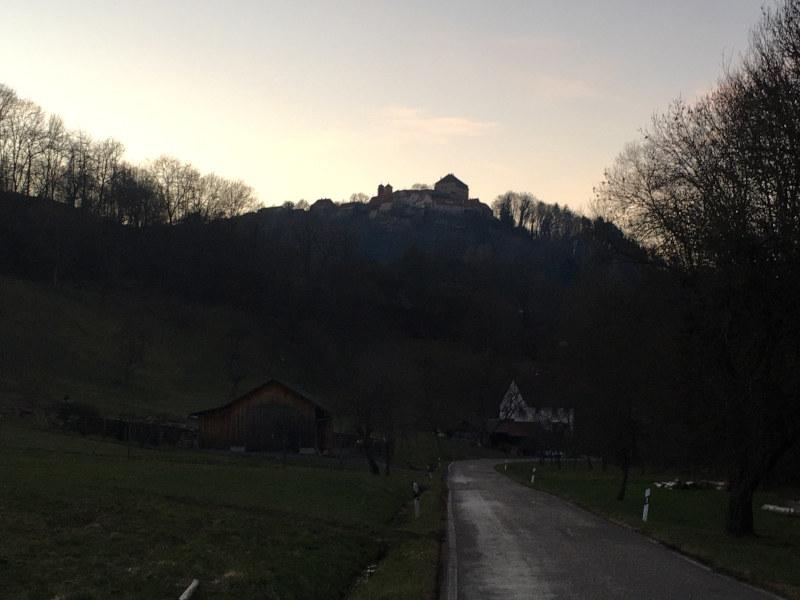 Burg Maienfels - Idyllische Straße - Radtour