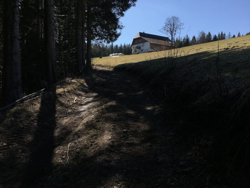 Anstieg hinter Transporte Recycling auf dem Schwarzwald-Radweg
