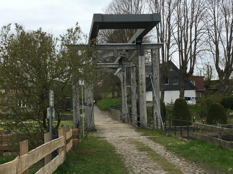 Alte Schleuse am alten Eiderkanal in Klein-Königsförde am Nord-Ostsee-Kanal-Radweg.