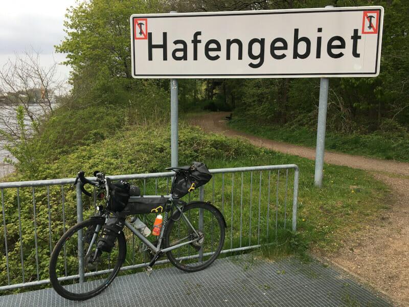 Hafengebiet bei Rendsburg mit meinem Gravelbike - NOK.