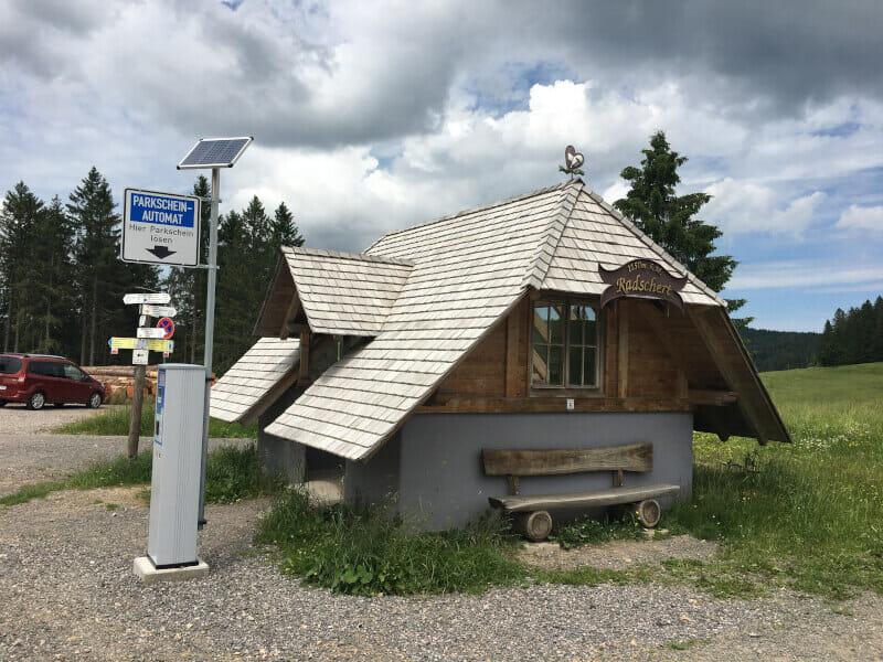 Kleine Hütte auf dem Todtnauberg - Schwarzwaldradweg.