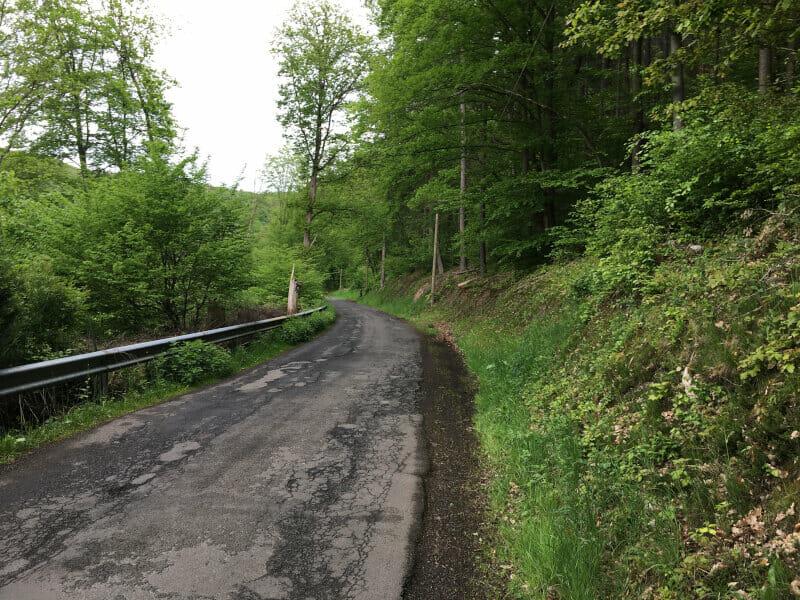 Bergauf hinter Rheinbrohl - Deutscher Limesradweg