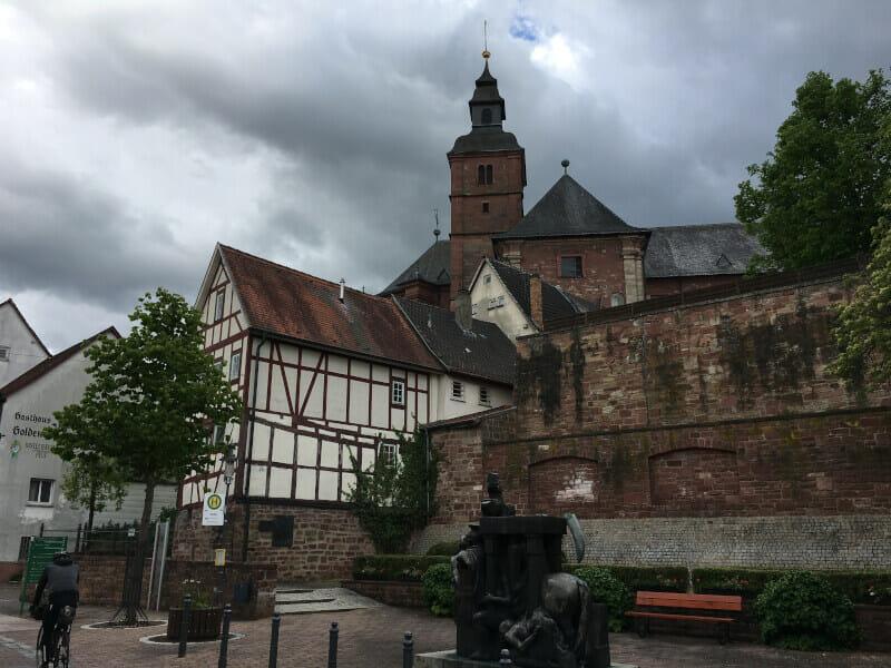 Walldürn, die Kirche, Zielort der 4. Etappe am Limesradweg.